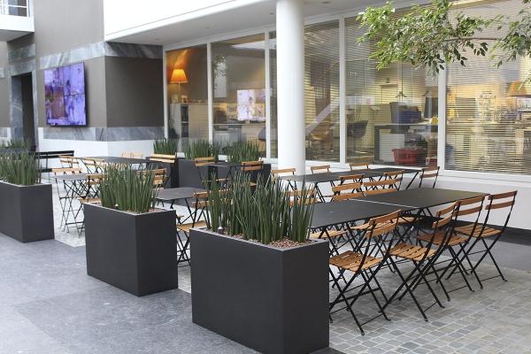 restaurant3_2.jpg