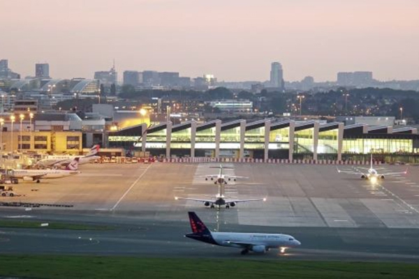 fmnewsfreestonebrusselsairport.jpg